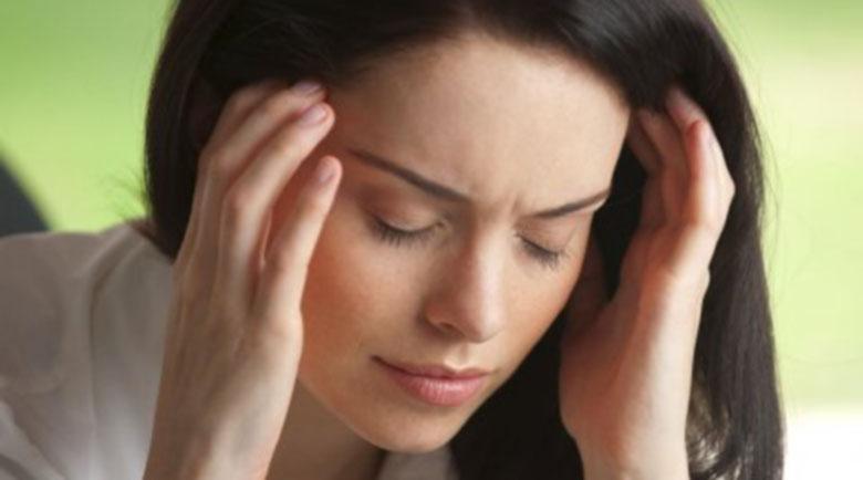 Народни рецепти срещу мигрена, които ще ви помогнат