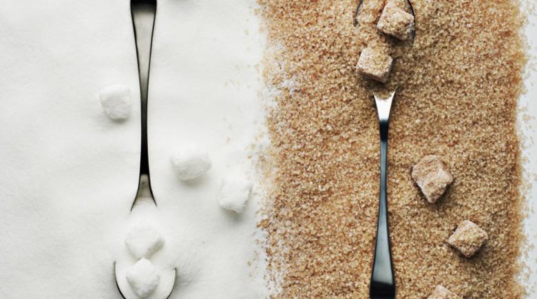 Коя е полезната: Истината за бялата и кафявата захар