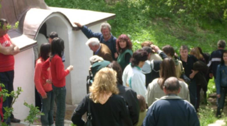 Лековита вода в Гигинския манастир цери заболявания на очите