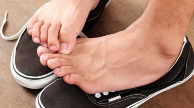 Чорап с мед лекува гъбичките по краката