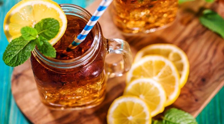 Диетолози алармират: Студените чайове и кафето са опасни