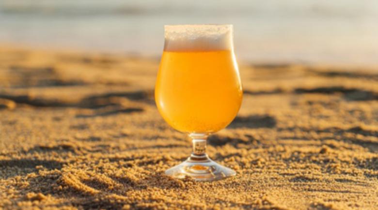 Бирата ни хидратира, тя е богат източник на разтворими фибри