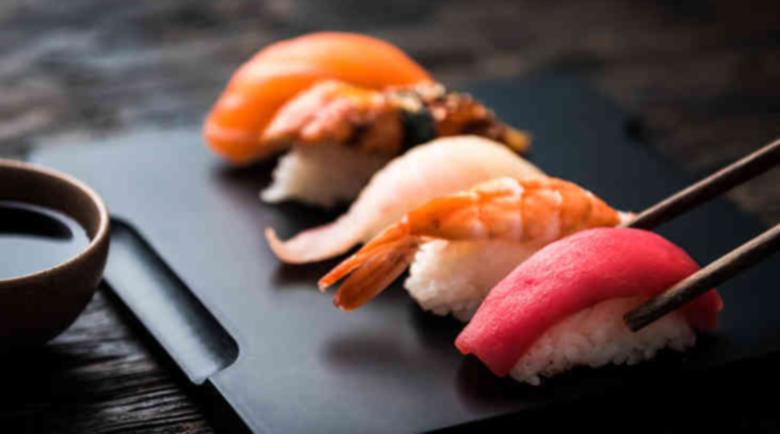 Безопасно ли е яденето на суши?