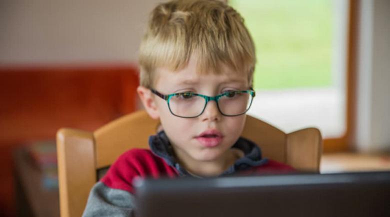 Пик на късогледство при децата след онлайн обучението