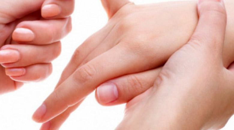 Как да излекуваме всяка болка с масаж на малкия пръст