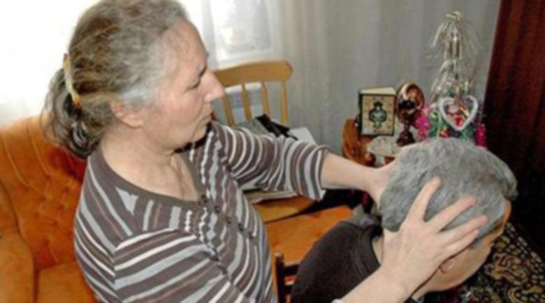Родопска лечителка: Пийте по 20 капки клеева тинктура срещу вируса