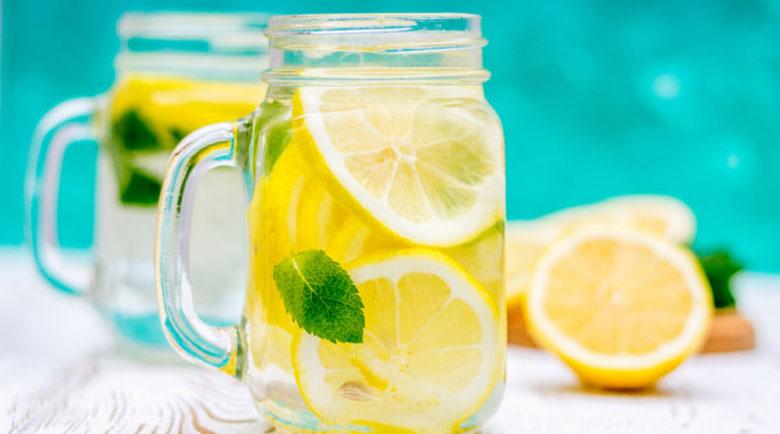 Каква грешка допускаме, когато пием вода с лимон