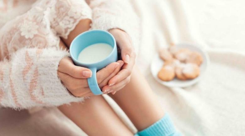 Пийте чаша мляко преди сън – ще спите като къпани