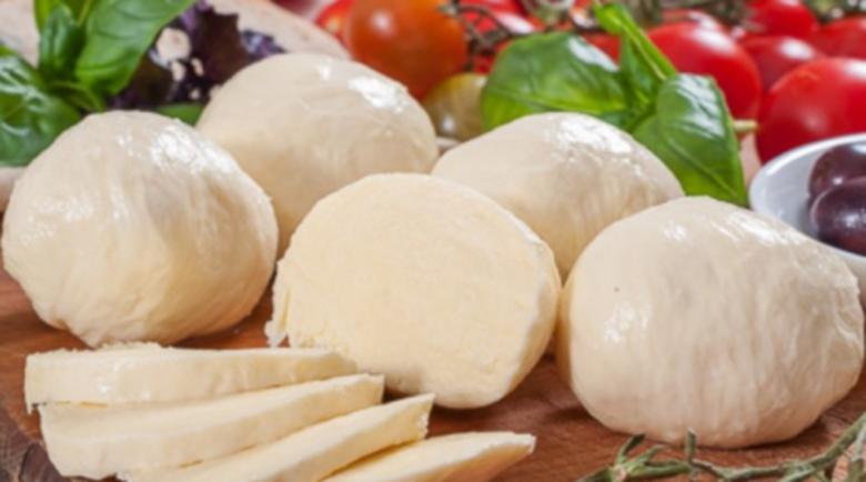 Яжте моцарела за здрави кости и срещу рак
