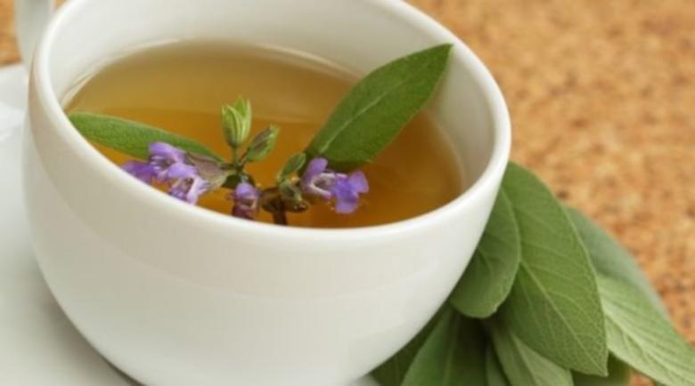 Чай от салвия помага при подути сливици