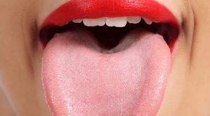 За какви заболявания алармира бялото покритие на езика?