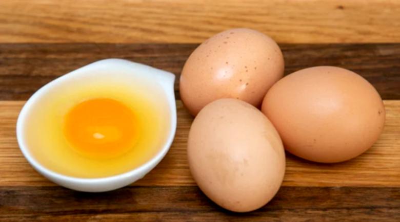 Яденето на много яйца може да накара тялото ви да…