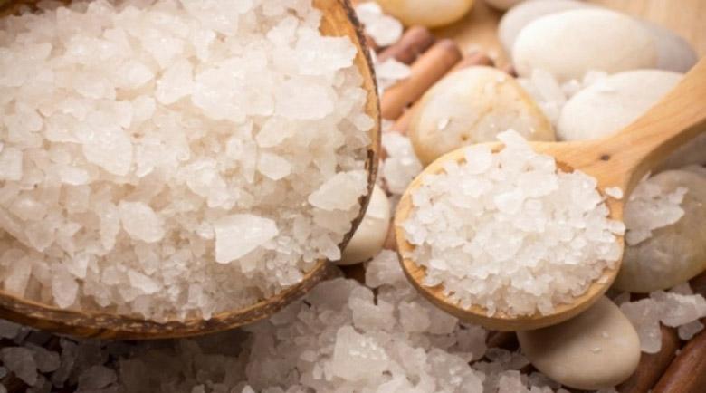 Морската сол – чистач на дебелото черво